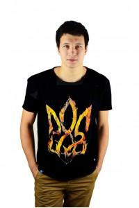 """Чоловіча патріотична футболка """"Тризуб вогняний"""" М-900"""