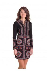 Платье вышитое крестиком «Карпатское» М-1026